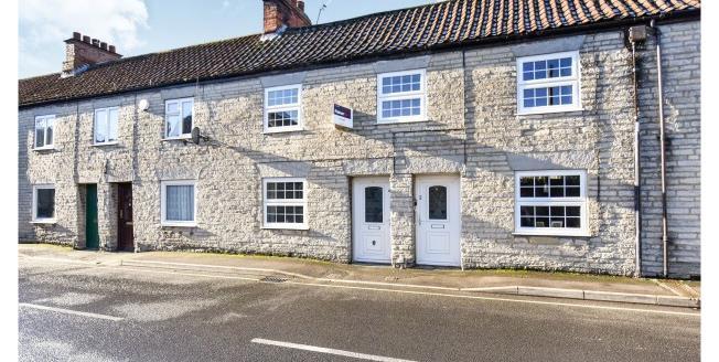 £600 per Calendar Month, 2 Bedroom Flat To Rent in Somerton, TA11