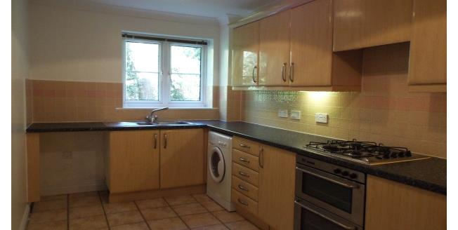 £975 per Calendar Month, 2 Bedroom Ground Flat Apartment To Rent in Bournemouth, BH1