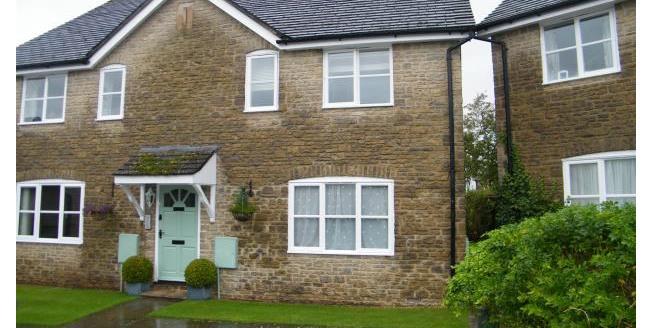 £550 per Calendar Month, 1 Bedroom Flat To Rent in Tetbury, GL8