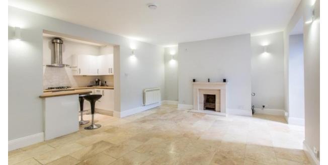 £1,300 per Calendar Month, 2 Bedroom Flat To Rent in Cheltenham, GL52