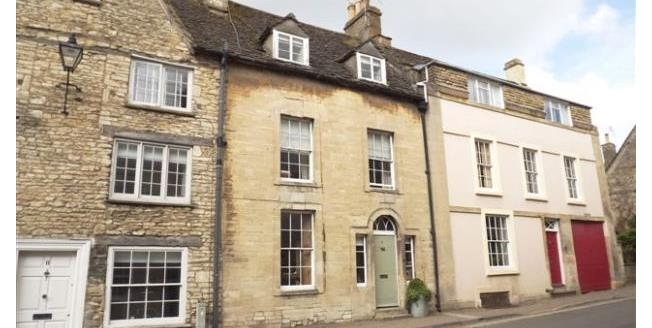 £1,000 per Calendar Month, 3 Bedroom House To Rent in Tetbury, GL8