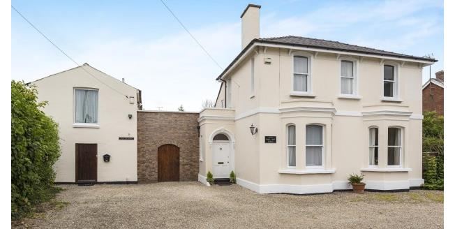£1,950 per Calendar Month, 4 Bedroom House To Rent in Cheltenham, GL52