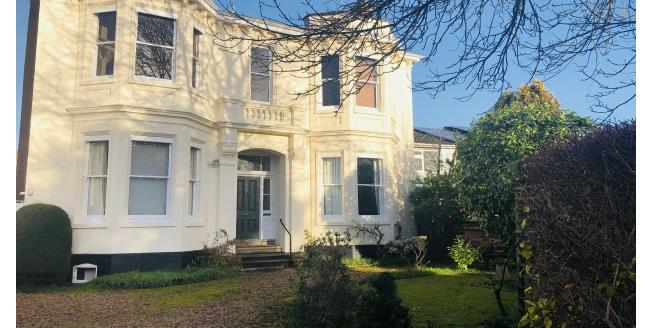 £1,450 per Calendar Month, 3 Bedroom Apartment To Rent in Leamington Spa, CV32