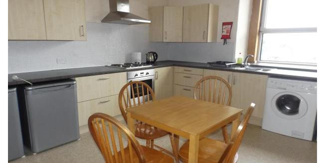 £600 per Calendar Month, 4 Bedroom Flat To Rent in Dundee, DD4
