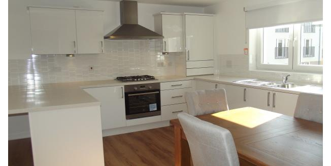 £700 per Calendar Month, 2 Bedroom Apartment To Rent in Glasgow, G64