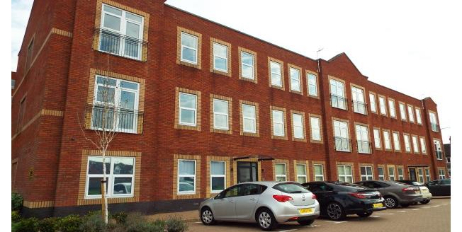£800 per Calendar Month, 2 Bedroom Apartment To Rent in Rugby, CV21
