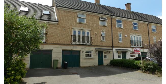 £1,400 per Calendar Month, 4 Bedroom Town House To Rent in Milton Keynes, MK5