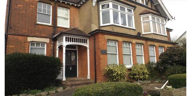 £950 per Calendar Month, 1 Bedroom Flat To Rent in St. Albans, AL3