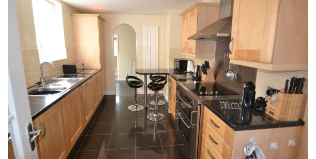 £1,600 per Calendar Month, 4 Bedroom Terraced House To Rent in Northampton, NN1