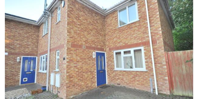 £950 per Calendar Month, 3 Bedroom Semi Detached House To Rent in Northampton, NN5