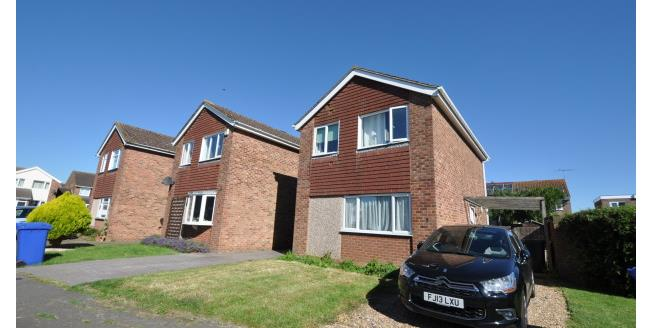 £895 per Calendar Month, 3 Bedroom Detached House To Rent in Northampton, NN7