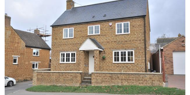 £1,000 per Calendar Month, 4 Bedroom House To Rent in Northampton, NN7