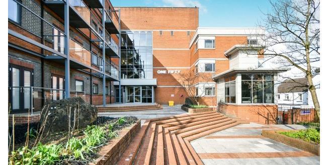 £950 per Calendar Month, 2 Bedroom Apartment To Rent in Swindon, SN1