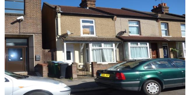 £1,300 per Calendar Month, 2 Bedroom House To Rent in Watford, WD24
