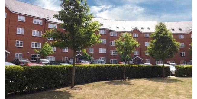 £1,095 per Calendar Month, 3 Bedroom Flat To Rent in Bedford, MK40