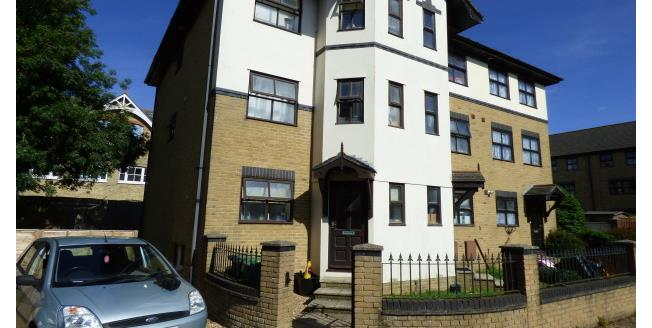 £425 per Calendar Month, Apartment To Rent in Newport, PO30