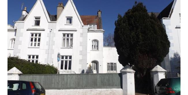 Guide Price £135,000, 3 Bedroom Flat For Sale in Exmouth, EX8