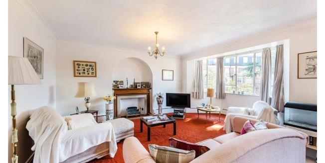 Asking Price £775,000, 2 Bedroom Apartment For Sale in Chiswick, W4