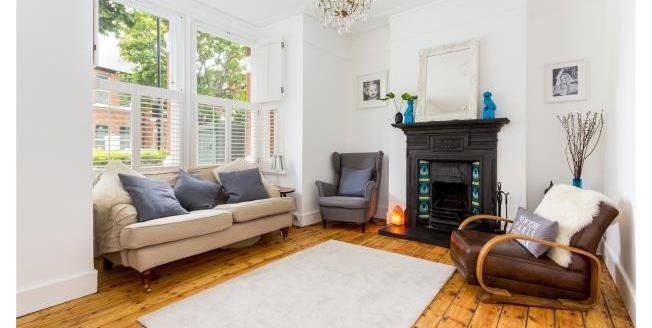 Asking Price £1,100,000, 4 Bedroom Terraced House For Sale in London, W4
