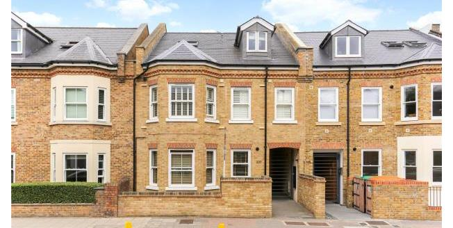 Asking Price £395,000, 1 Bedroom Apartment For Sale in W4