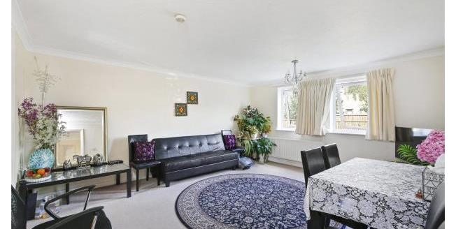 Asking Price £400,000, 1 Bedroom Apartment For Sale in W4