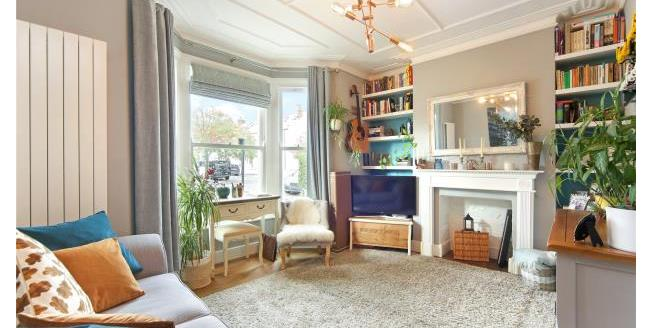 Asking Price £475,000, 1 Bedroom Apartment For Sale in W4