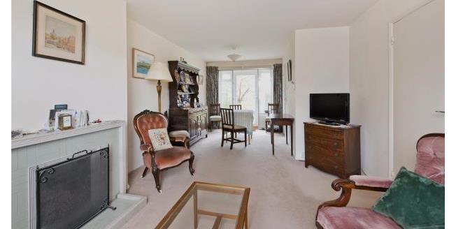 Asking Price £800,000, 3 Bedroom Semi Detached House For Sale in Twickenham, TW1