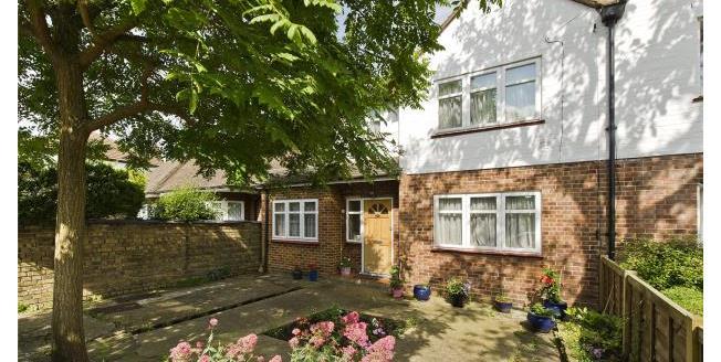 Asking Price £875,000, 4 Bedroom Semi Detached House For Sale in Twickenham, TW1