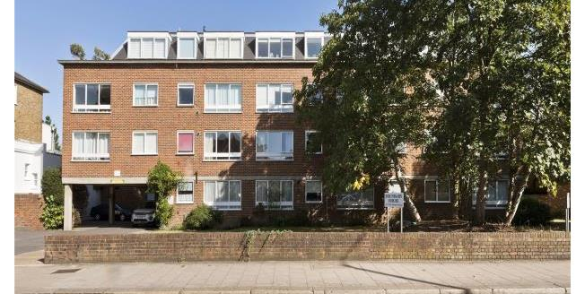 Asking Price £395,000, 1 Bedroom Apartment For Sale in St Margarets, TW1