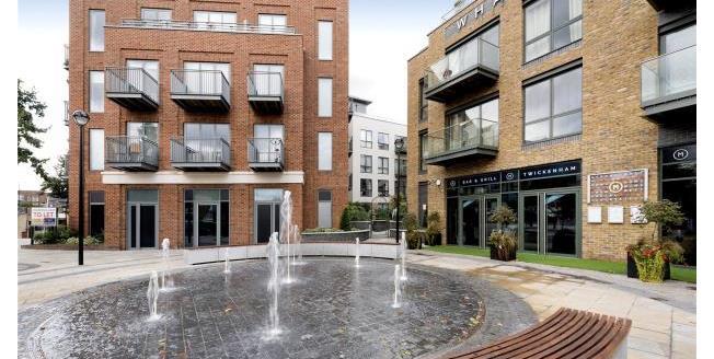 Asking Price £850,000, 2 Bedroom Apartment For Sale in Twickenham, TW1
