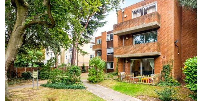 Asking Price £520,000, 2 Bedroom Apartment For Sale in Twickenham, TW1