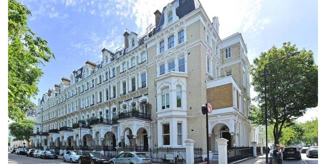 Asking Price £1,575,000, 3 Bedroom Apartment For Sale in SW10