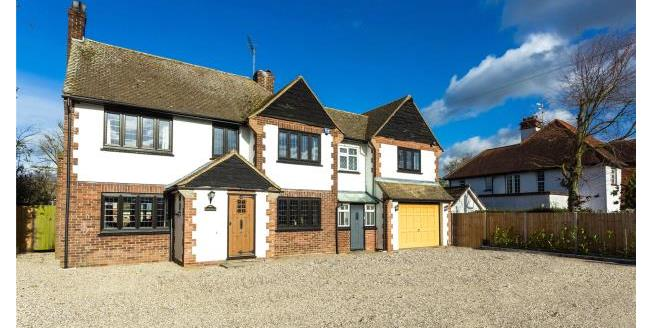 Asking Price £1,100,000, 5 Bedroom Detached House For Sale in Essex, CM5
