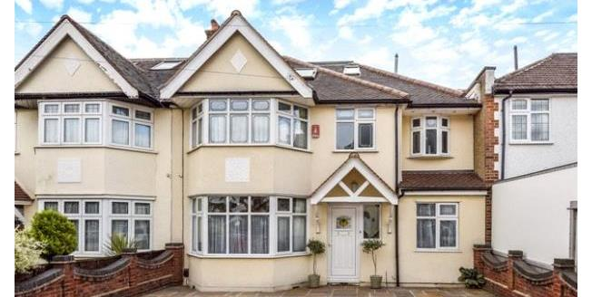 Asking Price £795,000, 5 Bedroom House For Sale in London, E4