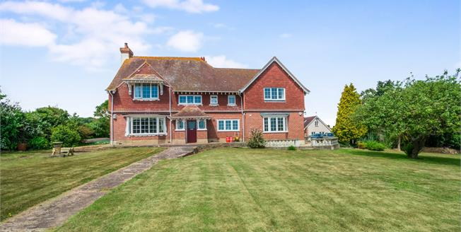 Guide Price £995,000, 5 Bedroom Detached House For Sale in Dawlish, EX7