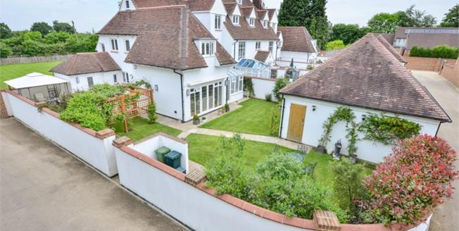 £900,000, 4 Bedroom House For Sale in Downe, BR6