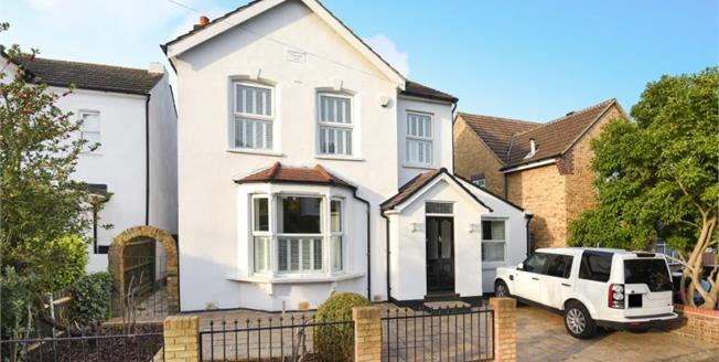 Offers Over £950,000, 5 Bedroom Detached House For Sale in E18