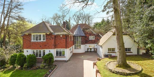 Guide Price £2,850,000, 5 Bedroom Detached House For Sale in Keston, BR2