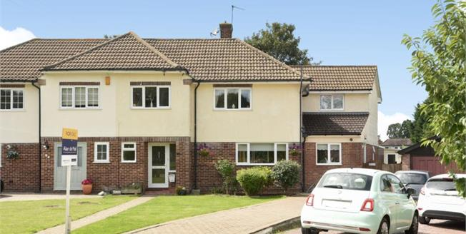 Asking Price £775,000, 4 Bedroom Semi Detached House For Sale in BR2