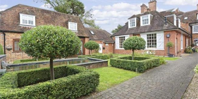 Offers in excess of £325,000, 2 Bedroom Mews House For Sale in Eversley, RG27