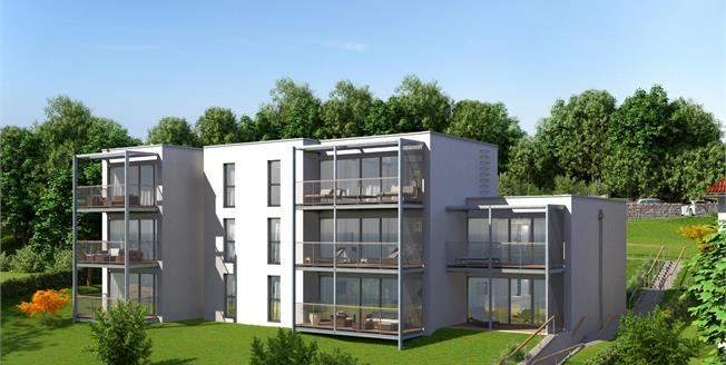 Guide Price £650,000, 2 Bedroom Flat For Sale in St Austell, PL25
