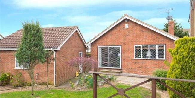 Asking Price £639,999, 3 Bedroom Bungalow For Sale in Waltham Cross, EN7