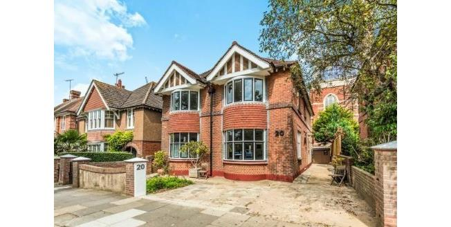 Offers in excess of £1,200,000, 4 Bedroom Detached House For Sale in Hove, BN3