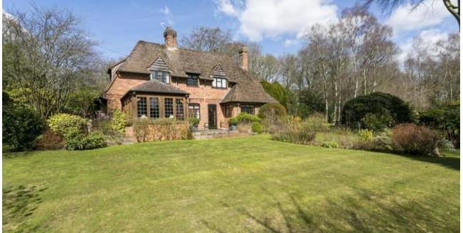 Asking Price £795,000, 4 Bedroom Detached House For Sale in Cross in Hand, TN21