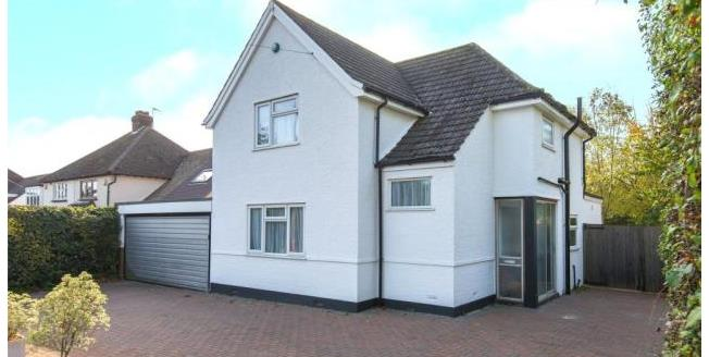 Offers in excess of £700,000, 3 Bedroom Detached House For Sale in Hertfordshire, EN7
