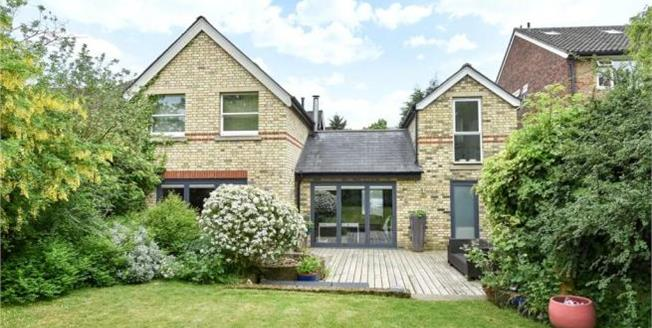 Asking Price £1,150,000, 5 Bedroom Detached House For Sale in Beckenham, BR3