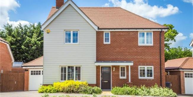Asking Price £749,950, Detached House For Sale in Cheshunt, EN7
