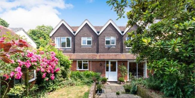 Asking Price £1,200,000, 4 Bedroom Detached House For Sale in Hartley Wintney, RG27