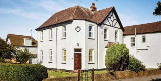 Asking Price £895,000, Detached House For Sale in Orpington, BR5