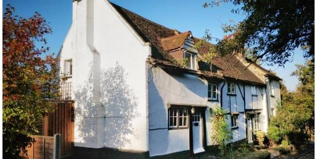 Asking Price £400,000, Semi Detached House For Sale in Orpington, BR5